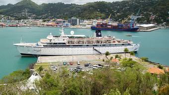 """Das Kreuzfahrtschiff """"Freewind"""" der Scientology-Organisation ist wegen eines Masernfalles in einem Hafen der Karibikinsel St. Lucia unter Quarantäne gestellt worden."""