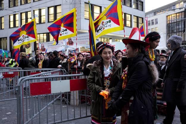 Das tibetische Oberhaupt ist das ganze Wochenende in Basel zu Gast.