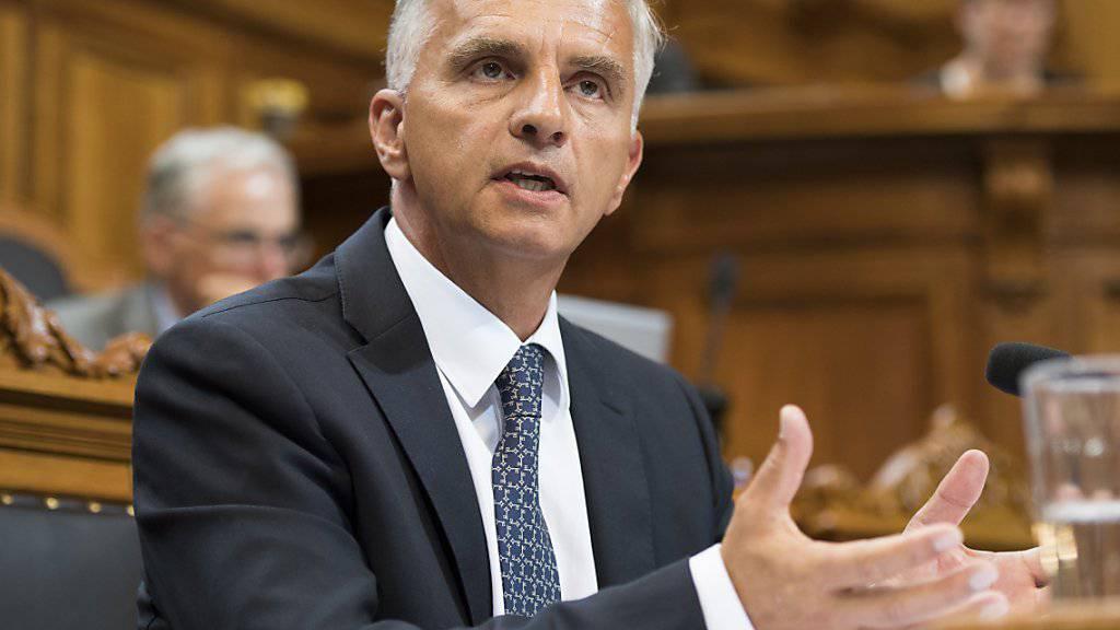 Sein Nachfolger werde keinen Reset-Knopf für die Europapolitik finden, erklärte Aussenminister Didier Burkhalter im Ständerat. (Archivbild)