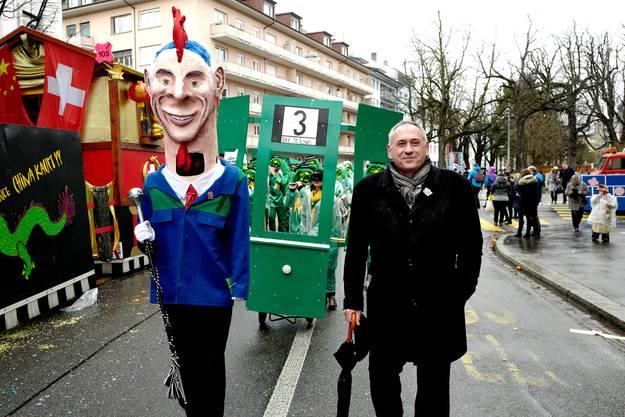 Der Giftschnaigge-Dambuurmajoor mit seinem Idol Hans-Peter Wessels.