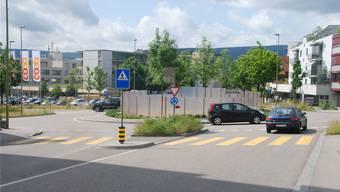 Künftig wird ein Verein festhalten, wie sich Oberwil verändert. Hier die Dorfkreuzung im Jahr 2012, ...