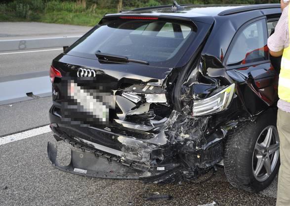 Die Unfallfahrzeuge wurden abtransportiert.