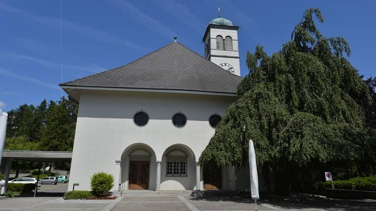 Reformierte Zwinglikirche Grenchen. Die Kirchgemeinde will sparen und entlässt die Pfarrerin.