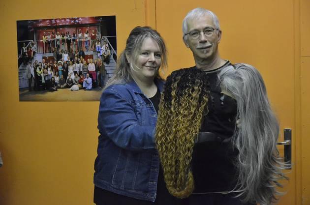 """Vor 14 Jahren haben sich Monika Brunner und Beni Ledergerber aus Mülligen im Musicalvereinkennen und lieben gelernt. Derzeit probt der Musicalverein Mutschellen dreimal in der Woche für das Stück """"No nöd ganz 100!""""."""