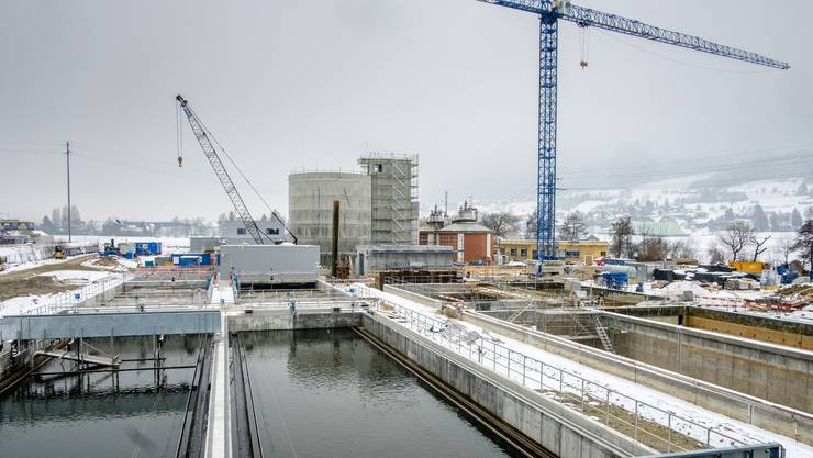 Die ARA in Reinach soll bald ein faltbares Solardach erhalten. Dafür sind 1,5 Mio Franken eingeplant.