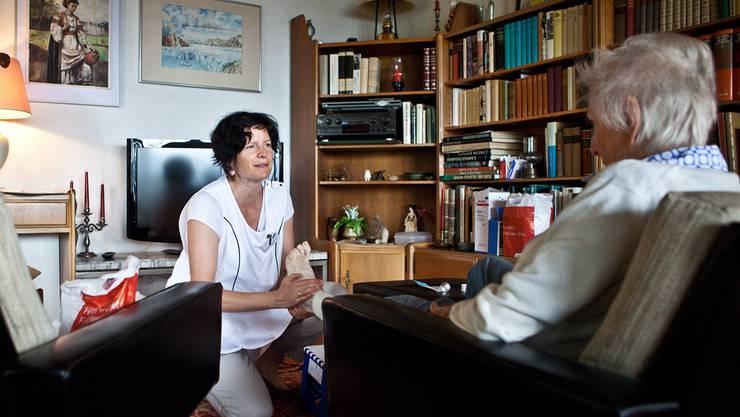 Die Nachfrage nach «Pflege zu Hause» steigt – die Zahl der privaten Spitex auch.