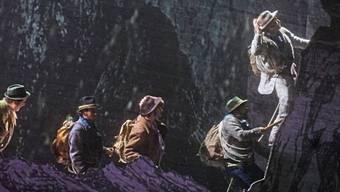 """Die singenden Bergsteiger am Matterhorn - Szene aus dem Musical """"Matterhorn"""" von Michael Kunze und Albert Hammond, das am Theater St. Gallen uraufgeführt wurde."""