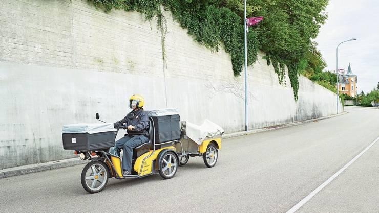 Die Zustellerinnen und Zusteller von Schönenwerd müssen die Post seit kurzem in Aarau abholen.
