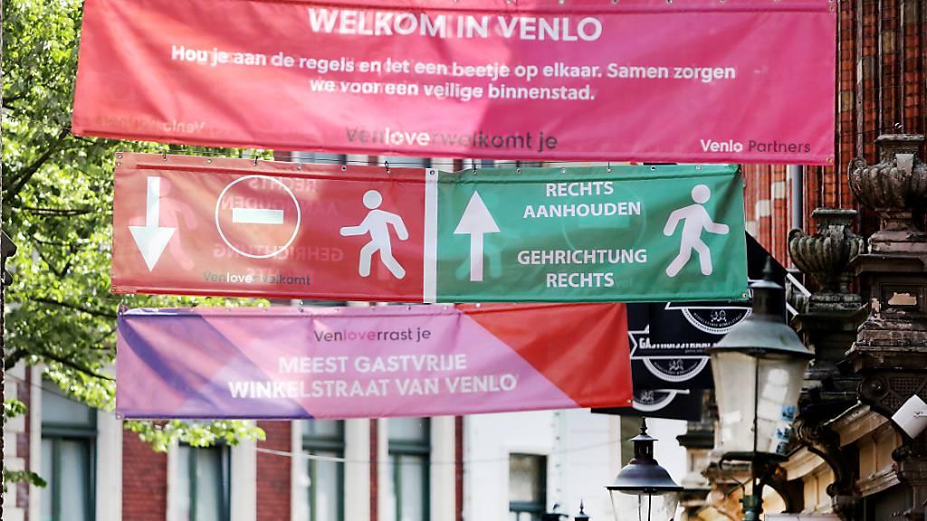 Niederlande vor der Katastrophe – und die Bürger machen Party