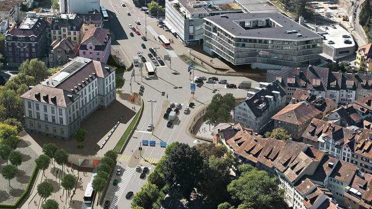 So soll der Schulhausplatz in Baden nach der Sanierung auf der Verkehrsebene aussehen.  zvg