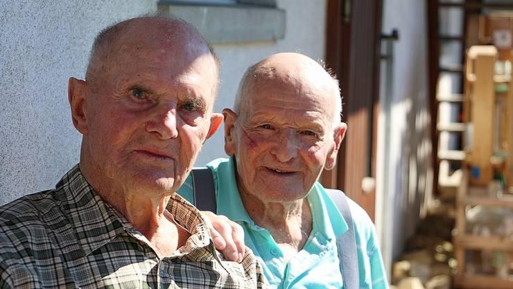 Ernst Welti (l.) und Othmar Häseli treffen sich einmal im Jahr für ein Klassentreffen zu zweit.