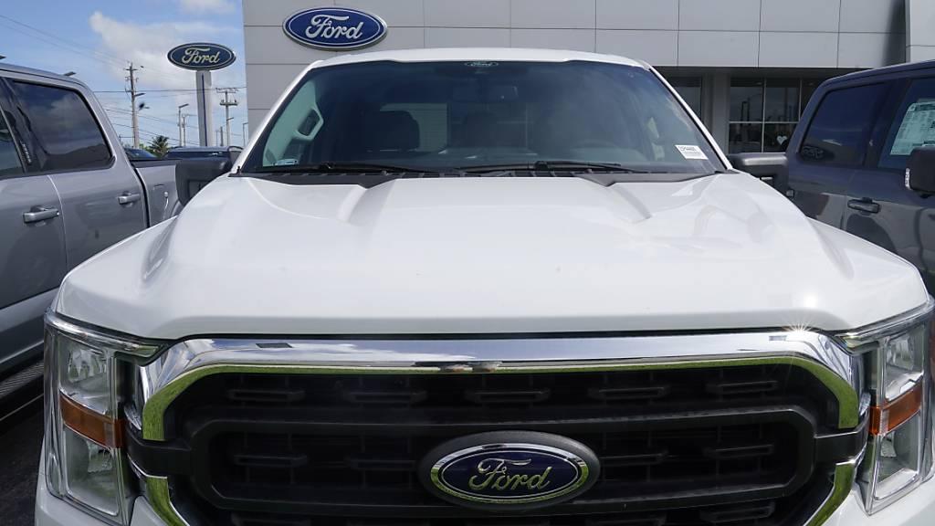 Der US-Autokonzern Ford schreibt überraschend schwarze Zahlen. (Archivbild)