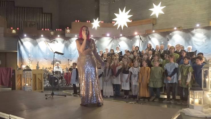 Weihnachtsmusical im stimmungsvollen Ambiente der  wunderbar dekorierten Kath. Kirche in Bettlach