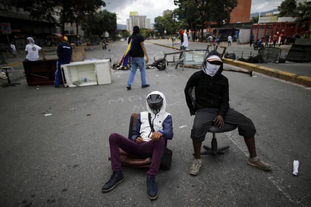 Rund um die Wahlen von Ende Juli ist es erneut zu wüsten Szenen in den Strassen gekommen. Etwa in der Hauptstadt Caracas.