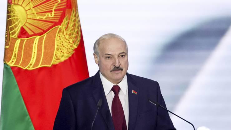 Alexander Lukaschenko kam laut Wahlkommission in Belarus auf 80,23 Prozent der Stimmen. Foto: Maxim Guchek/POOL BelTa/AP/dpa