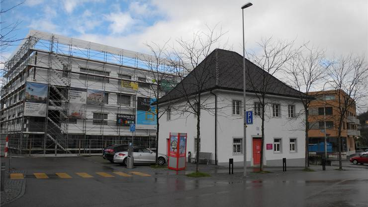 Im alten Gemeindehaus am Widenplatz befindet sich der Hundesalon Vanessa. mf