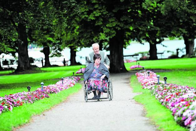 Die Liebe seines Lebens: Köbi Kuhn zusammen mit seiner Frau Alice, die 2014 verstarb. Ihre Ehe dauerte 49 Jahre. (Mammern, 9. August 2008)