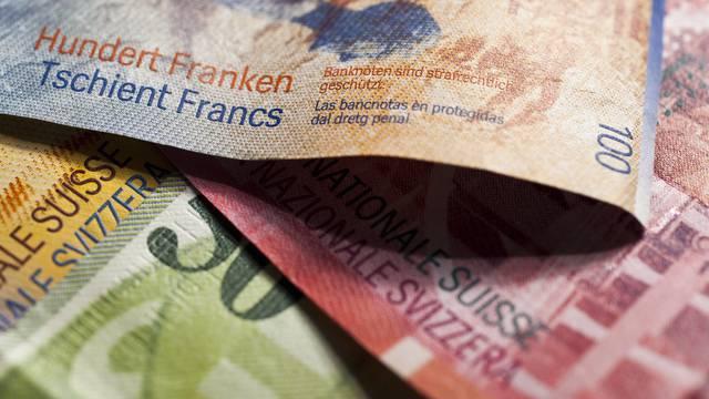 Schweizer Banknoten - In der Schweiz wird immer noch fleissig gespendet (Symbolbild)