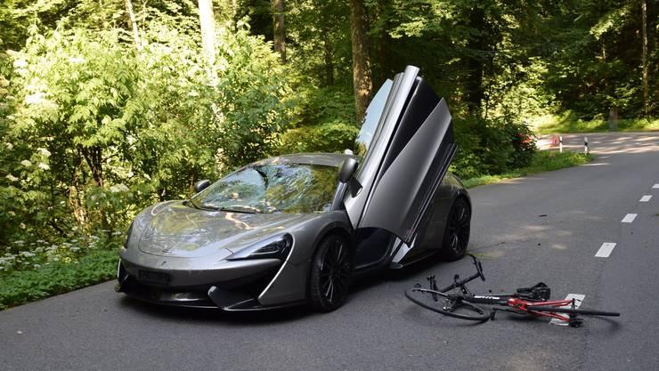 Im Juli mähte ein McLaren-Fahrer einen Velofahrer um.