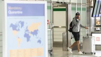 Reisen sind trotz Corona möglich. Wer aber in ein Land mit höherem Ansteckungsrisiko reist, muss nach Rückkehr in die Schweiz zehn Tage in Quarantäne. (Symbolbild)