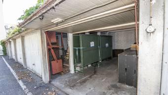Diese Garagen will der Kanton abreissen lassen.