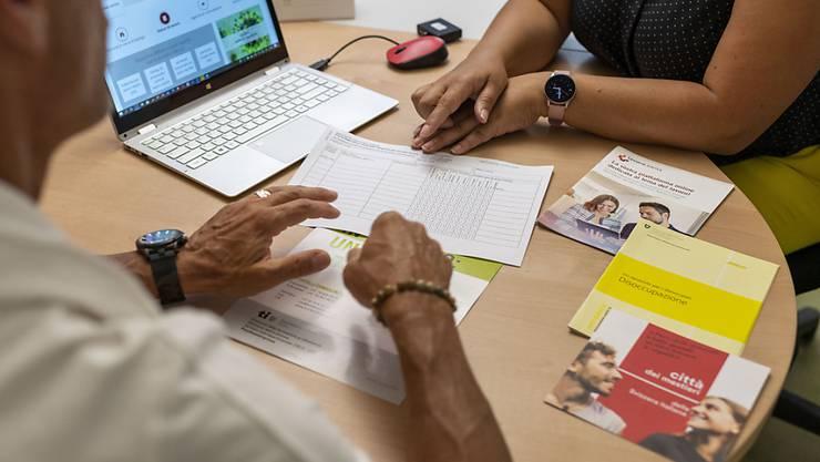 Ein neues Beratungsprogramm im Kanton Zürich soll Arbeitnehmende über 40 für den Arbeitsmarkt fit halten. (Symbolbild)