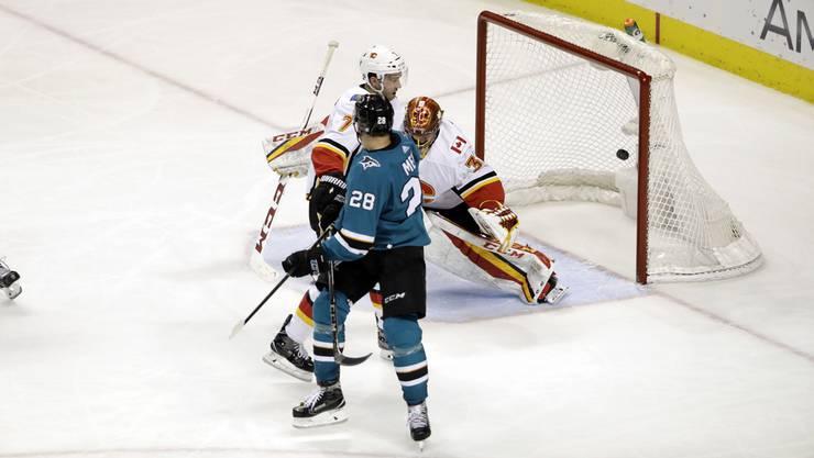 Timo Meier erzielt gegen Calgary seinen sechsten Saisontreffer für die Sharks.