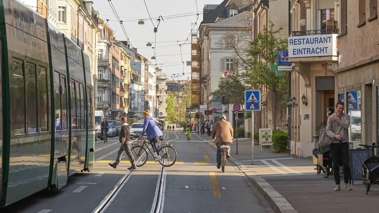 Die Klybeckstrasse: Ein belebter Strassenzug, aber trotz eines kürzlichen Raubzugs nicht im Fokus der Videoüberwacher.