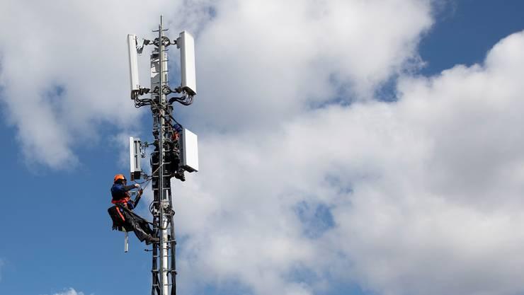 Ein Rechtsgutachten hat ergeben, dass die Strahlen- und Gesundheitsbelastung durch das 5G-Netz noch nicht abschätzbar sind. (Archivbild)