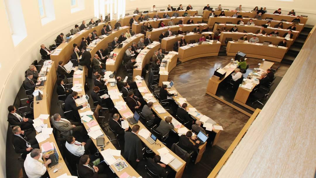Budgetkomission gegen Regierung