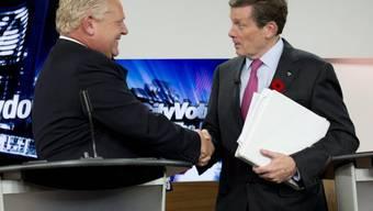 John Tory (r) ist Torontos neuer Stadtpräsident (Archiv)