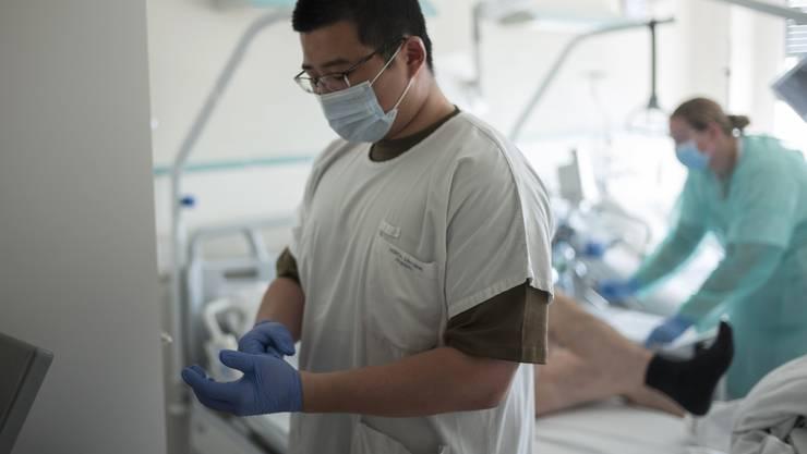 Das Kantonsspital Freiburg muss neun infizierte Heimbewohner übernehmen.