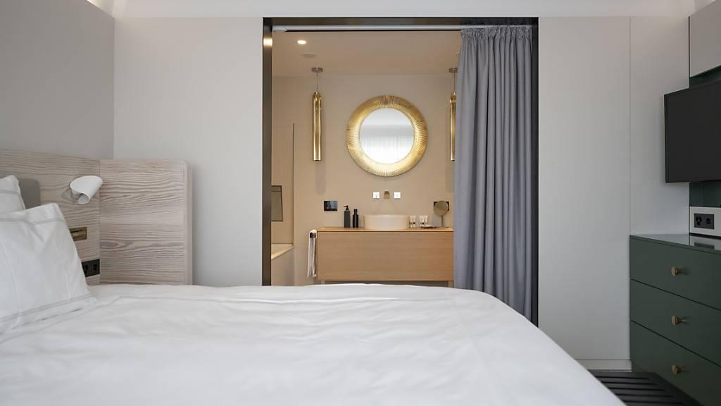 Schweizer Hotellerie im März mit ersten Basiseffekten - Weiter tiefes Niveau. (Archiv)