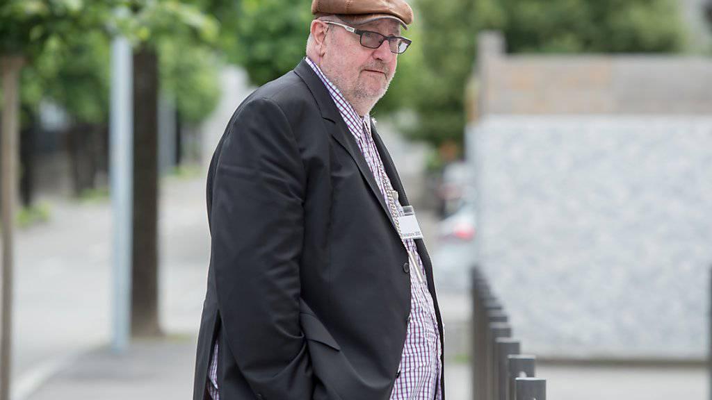 Der Finanzjongleur Dieter Behring beim Prozess vor dem Bundesstrafgericht in Bellinzona im Juni 2016. (Archivbild)