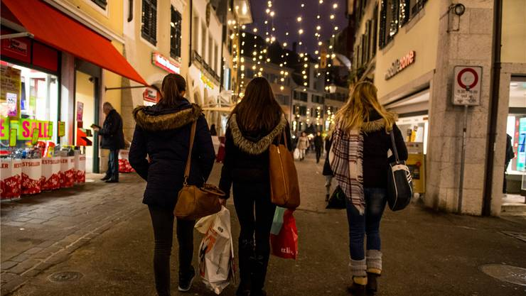 Gemeinsam Zeit verbringen wird einer Geschenklawine vorgezogen – so der Trend für Weihnachten 2016.