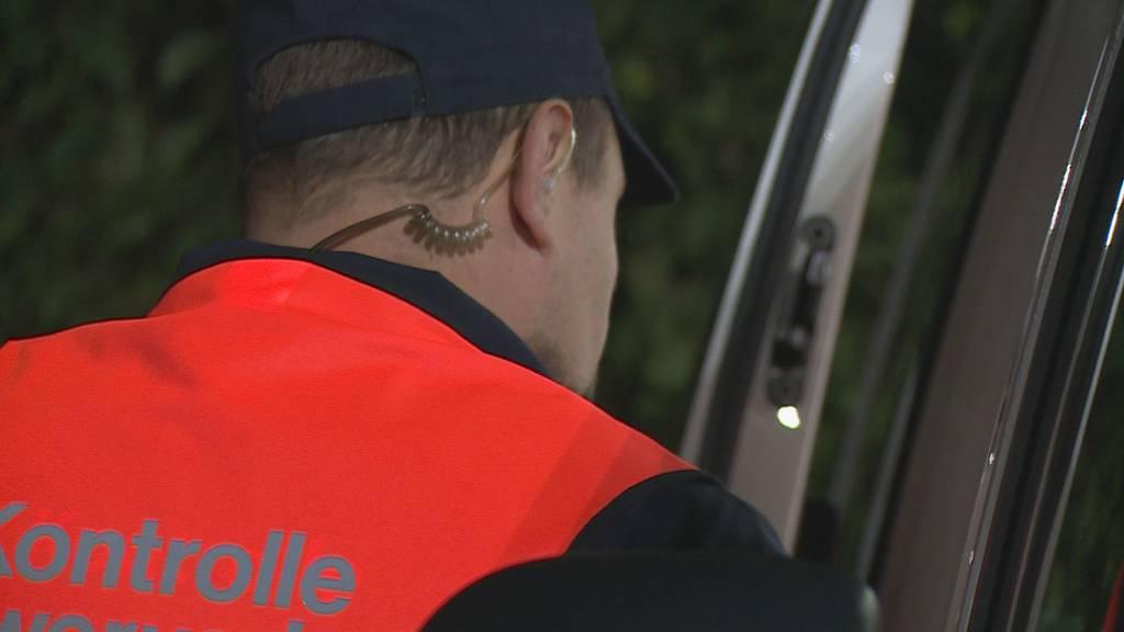 Mobile Schwerverkehrskontrolle: Drei Tonnen Rüebli zuviel geladen