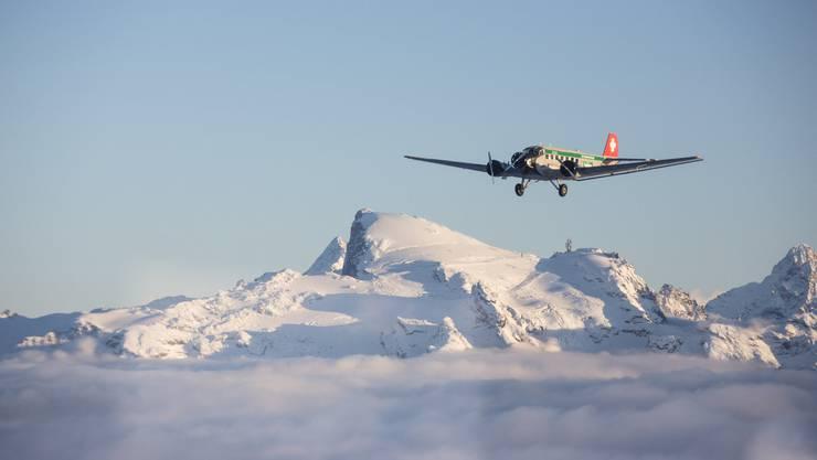 Ein Flugzeug des Typs Ju-52, auch Tante Ju genannt.