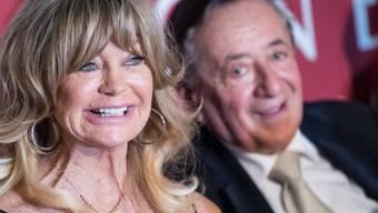 Opernball-Gastgeber Richard Lugner (rechts) freut sich: Sein Stargast, US-Schauspielerin Goldie Hawn, ist überhaupt nicht zickig.