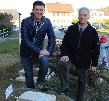 James Gurtner und Peter Bohn im Wildbienenparadies
