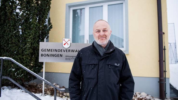 Ein Tag von Gemeindepräsident Manfred Zimmerli endet nicht selten im Gemeindehaus von Boningen.