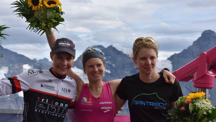 Auf dem Podest (v.l.): Alexandra Zürcher-Lehmann, Siegerin Petra Eggenschwiler, und Sabine Stalder