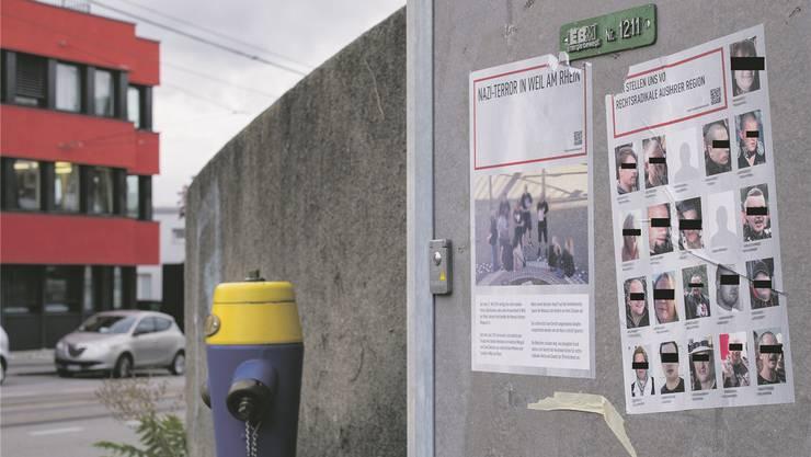 Antifa-Plakate in Birsfelden zeigen 21 Rechtsradikale aus Weil am Rhein und dem Elsass.