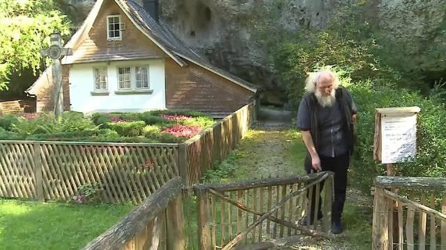 Der neue Einsiedler Michael Daum ist in die Klause eingezogen