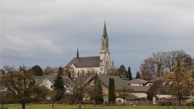 Die Kirche Bünzen spart neu 12,5 Tonnen CO2 pro Jahr.
