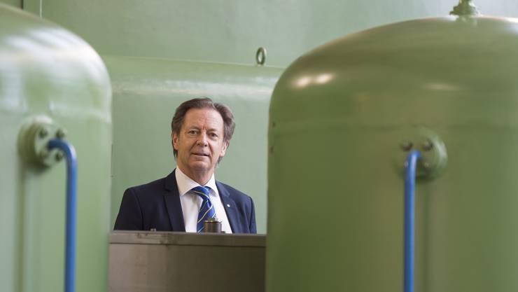 Ernst Werthmüller, VR-Präsident der AEW Energie AG, im Kraftwerk Klingnau: «Es braucht dringend gleich lange Spiesse für die Wasserkraft.»
