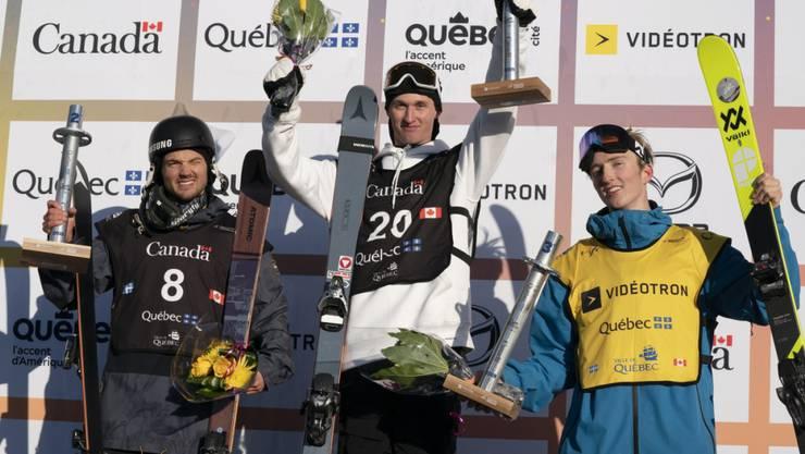 Andri Ragettli (rechts) feiert bei seinem Comeback nicht nur einen Podestplatz, sondern holt sich auch die kleine Kristallkugel im Big Air