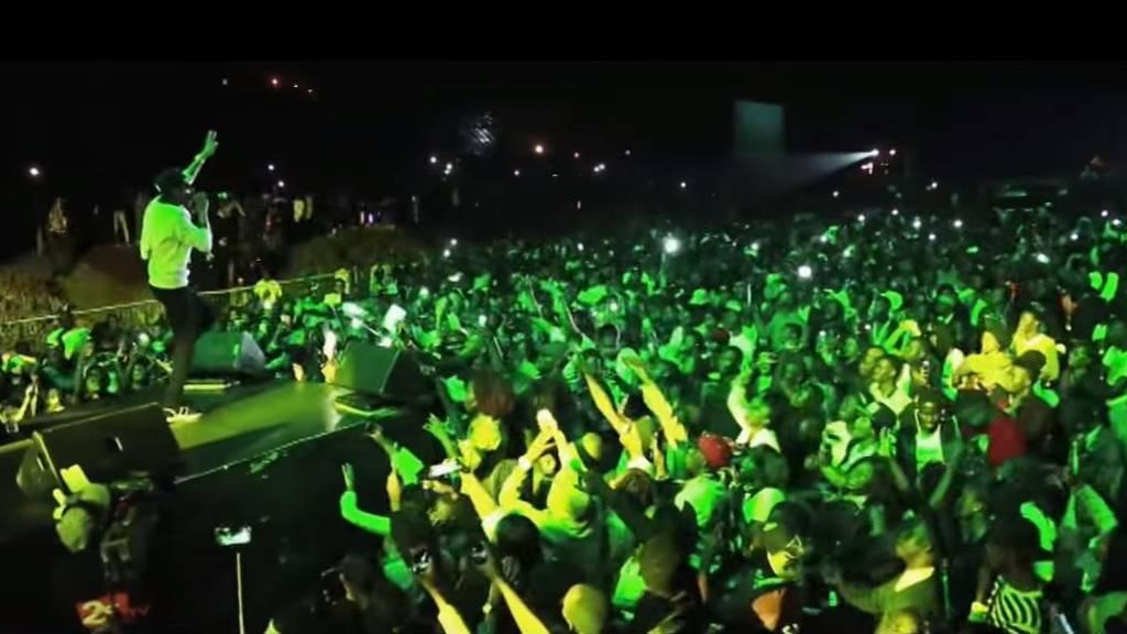2017-04-04 14_26_25-WizKid - Sweet Love - YouTube