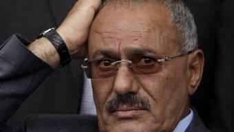Saleh gibt die Macht ab (Archiv)