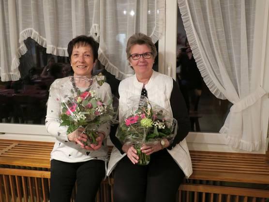 v.l.n.r: Annerös Käppeli und Marlis Müller, die nach 18 bzw. 24 Jahren das  Krankenmobilienmagazin abgeben.