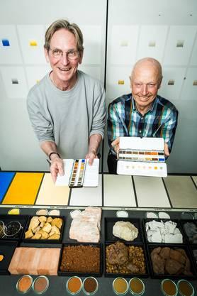 Künstler und Farbforscher Stefan Muntwyler (links) hat zusamen mit dem Badener Geologen André Lambert einen Aargauer Farbkasten mit natürlichen Aquarellfarben aus Gesteinspigmenten kreiert. (Alle Fotos: Chris Iseli)